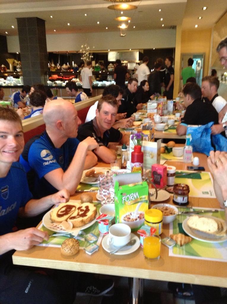 Sporcular kahvaltıda karbohidrat depolarken.