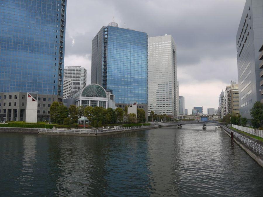 Tokyo'nun kanalları şehrin içinde kılcal damarlar gibi yayılmıştır