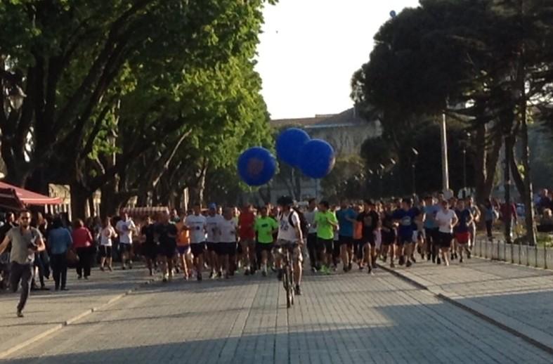 Sultanahmet'te bir jogging.  İstanbul'un her yanında insanlar koşmalı