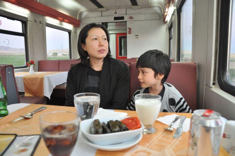 Mavi Tren'de yemekli vagon. Kahvaltı