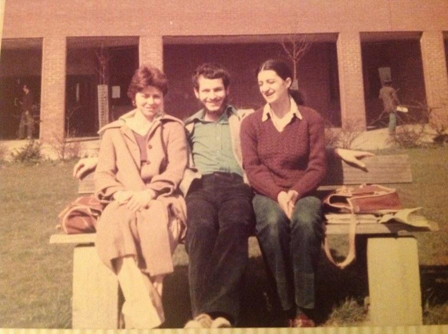 Osman Aston Üniversitesinde (Birminghman), Alev Onaran ve Eilen Jefferson ile