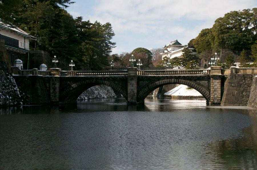 Sarayın Hibiya tarafından görünüşü