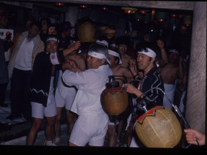 Festivaller, geleneklerin olması gerektiği gibi ifade edildiği yegane zamanlar