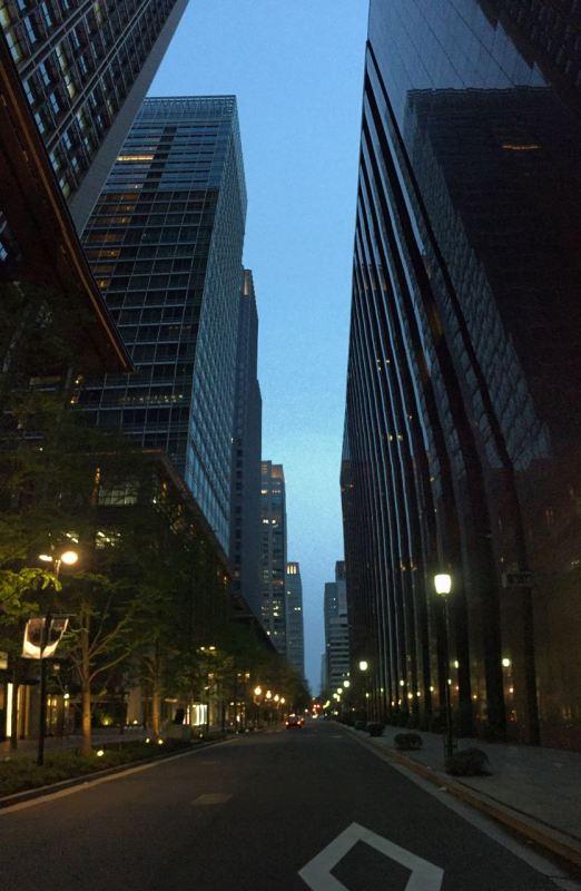 Tokyo'nun finans bölgesi Otemachi'de S&P'den kaynaklanan bir panik yok