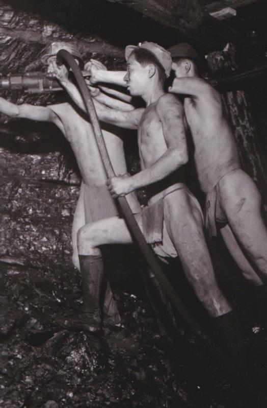 Fukushima'da madende çalışan işçi çocuklar, 1948