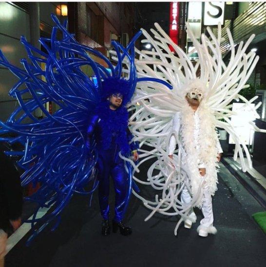 Shinjuku'dan bir Halloween esntantanesi (kaynak: Mio Coxon Tweeter feed)