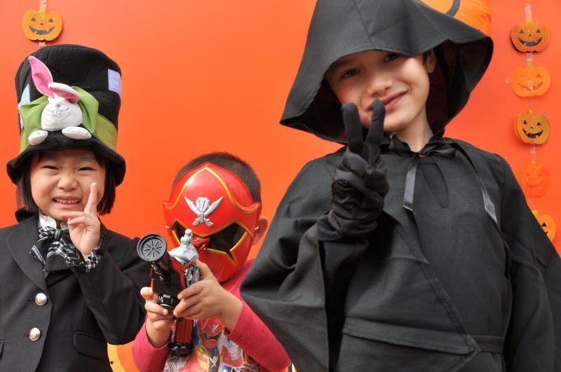 Halloween özünde bir çocuk bayramı (eski Halloween'lerden, 2012)