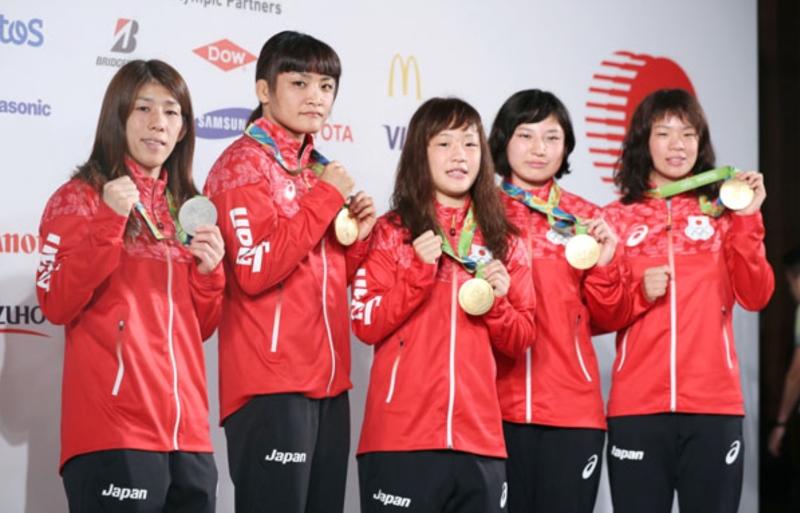 Japon kadın güreşçiler (Kaynak: internetten JMPA)