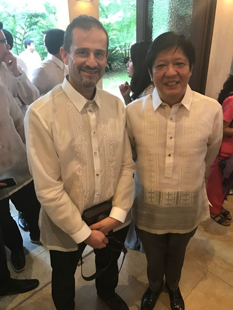 "Senatör Ferdinand ""Bongbong"" Marcos ile beraber"